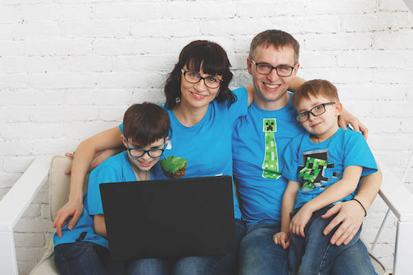 family-eyeglasses-computer600X400-1