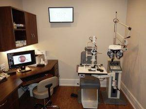 eye exam room in Milton, ON