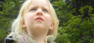 Female Child Looking Upward 1280x480 640x240 330x150