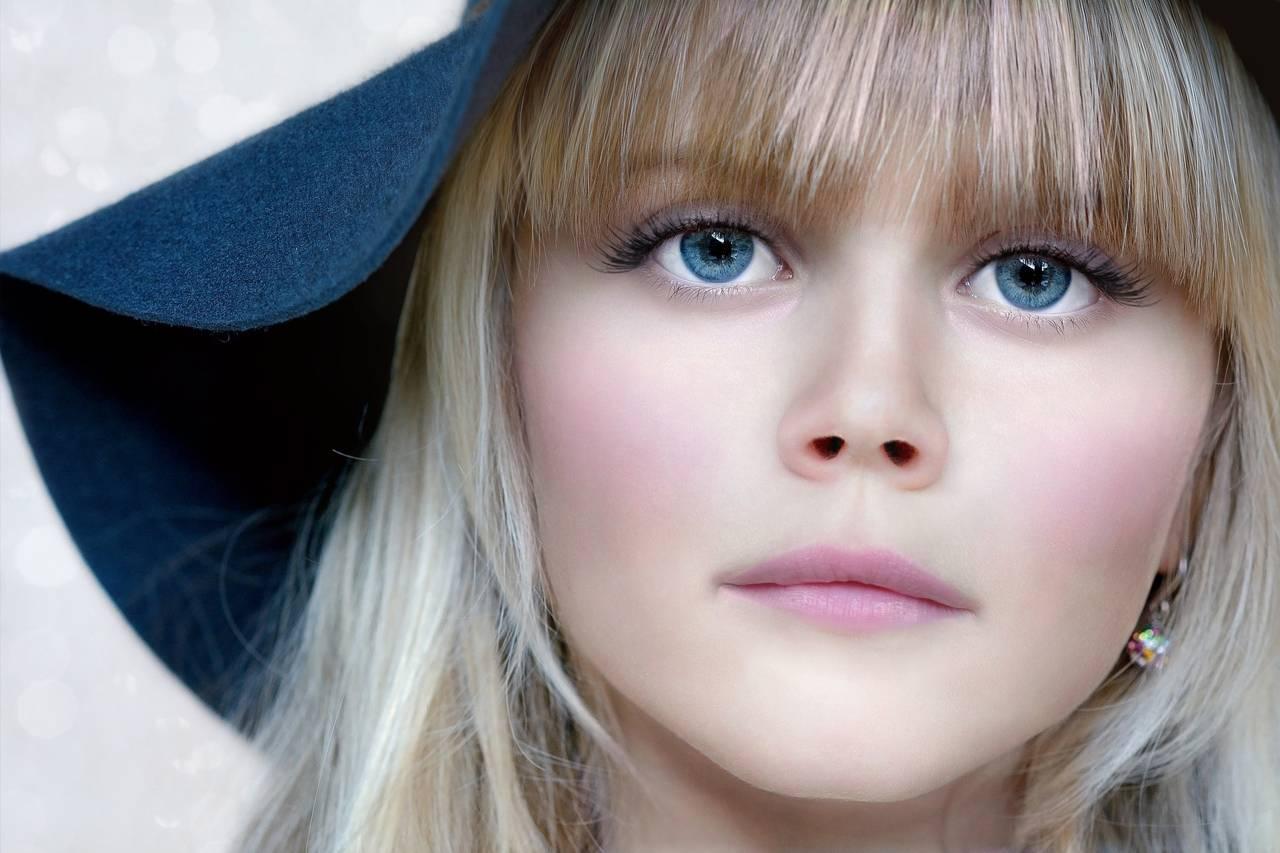 Girl Blue Eyes Serious 1280x853