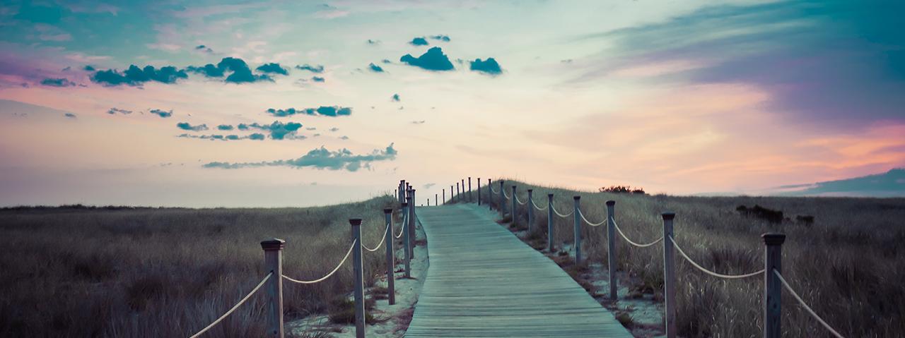 stunning-beachwalk-dusk