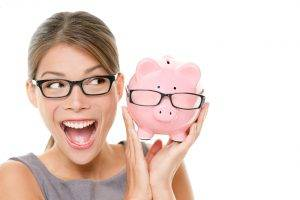 lady with glasses and piggy bank with glasses