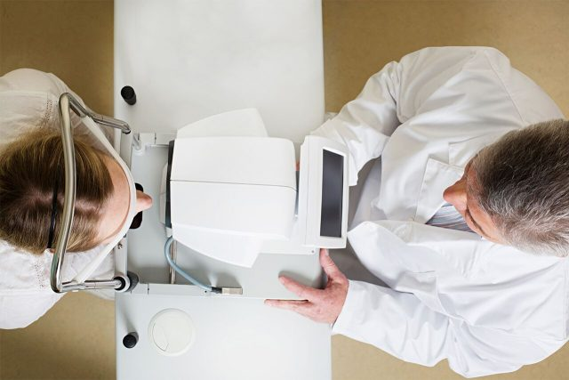 Advanced Technology, doctor examining patient in Fort Worth, TX