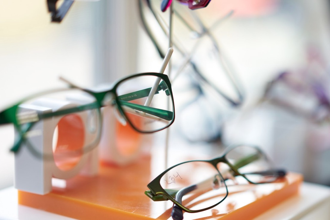 Northwest eye glasses store