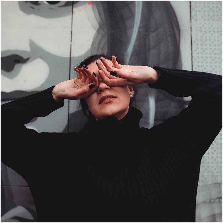 eye exam, female with closed eyes
