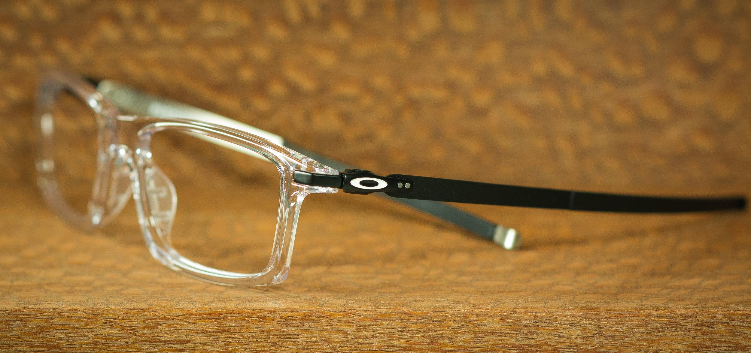 Oakley+Pitchman