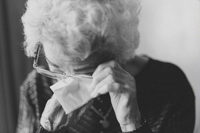 eye exam, older woman suffering from ectropion in Fort Worth, Southlake, Texas