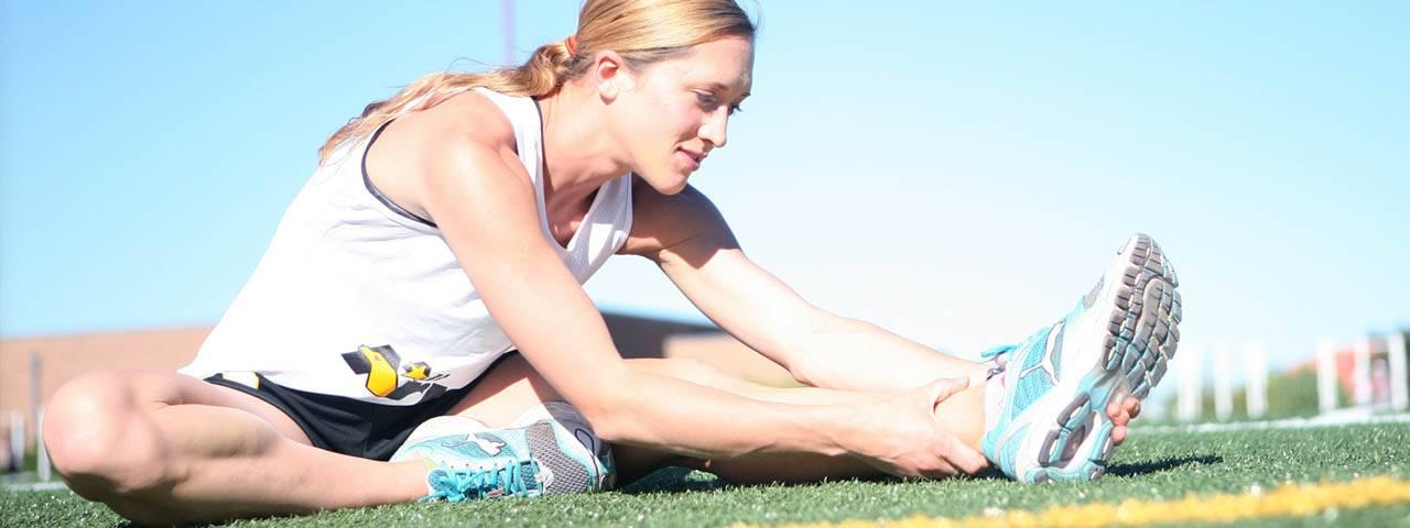 runner female stretching