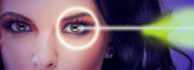 Eye doctor, woman, lasik surgery in Plano, TX