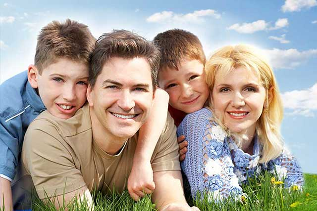 eye doctor, happy family, wearing contact lenses for myopia control in Long Grove, Illinois
