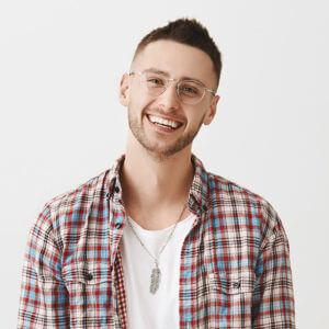 Cute-Ordinary-Guy-Smiling_640-300x300