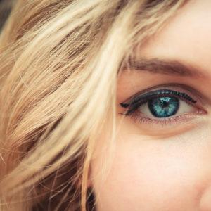 woman-blue-eye-closeup-640-300x300