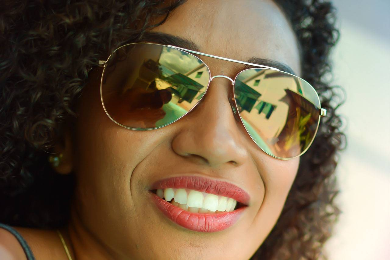 sunglasses african american woman 1280×853