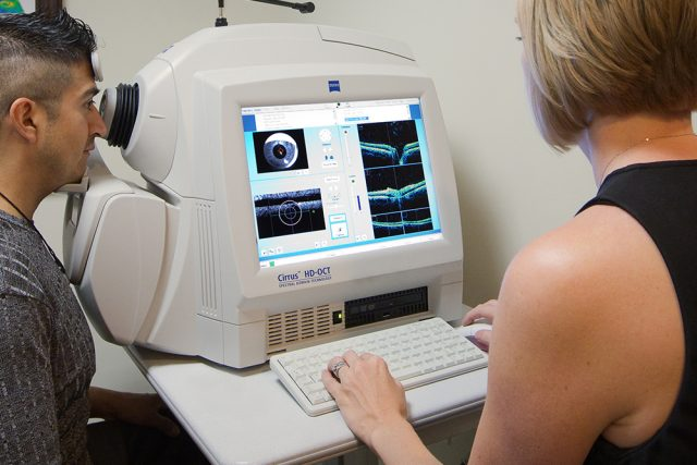 scanning for signs of low vision after stroke