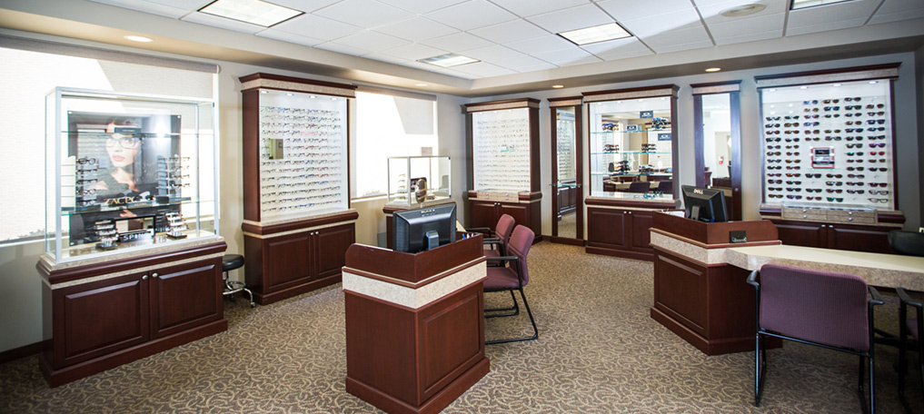 Optometrist in Heath & Newark, OH