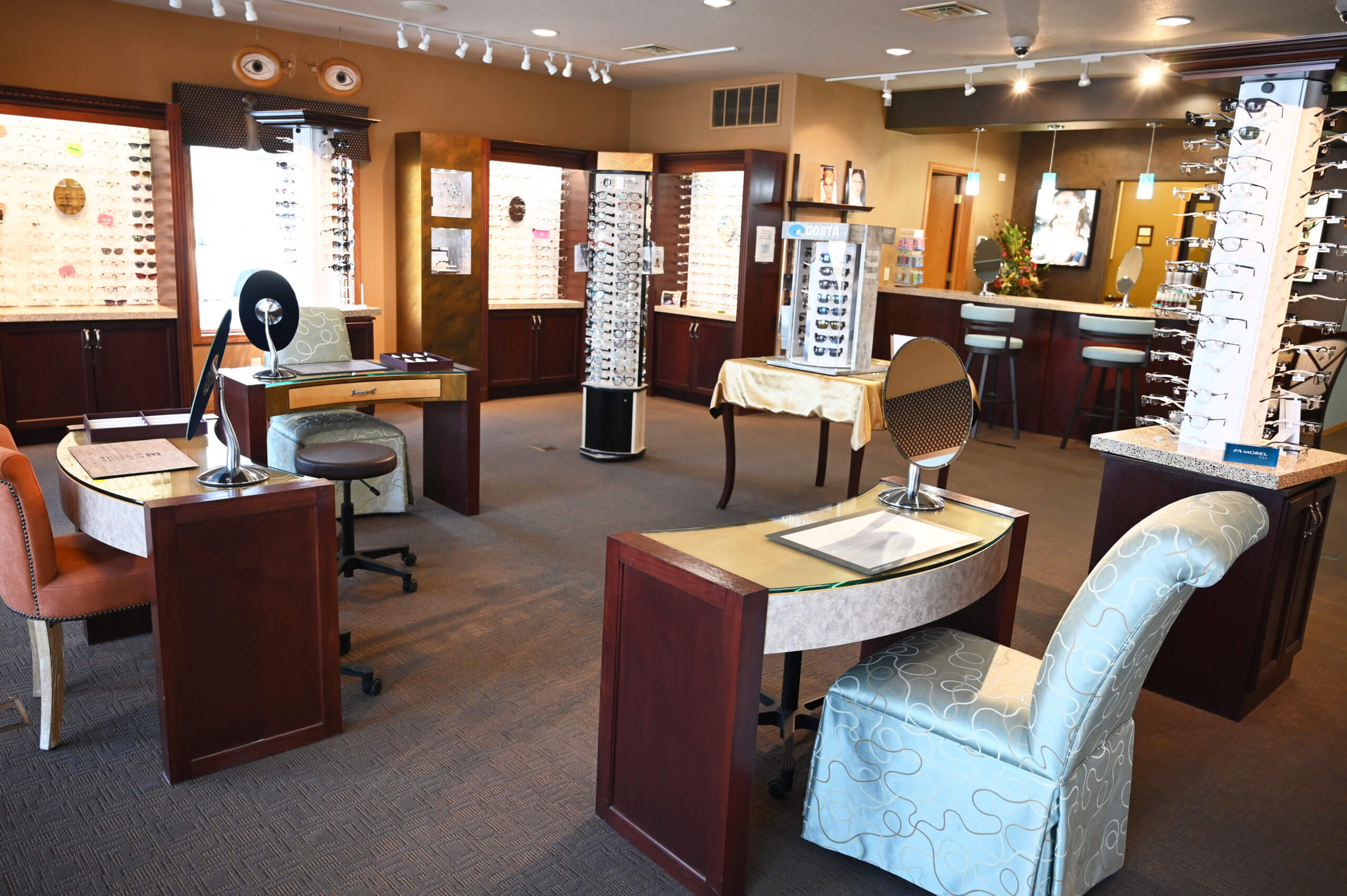 Weiss Eyecare Clinic in Watertown South Dakota has an excellent selection of eye glasses