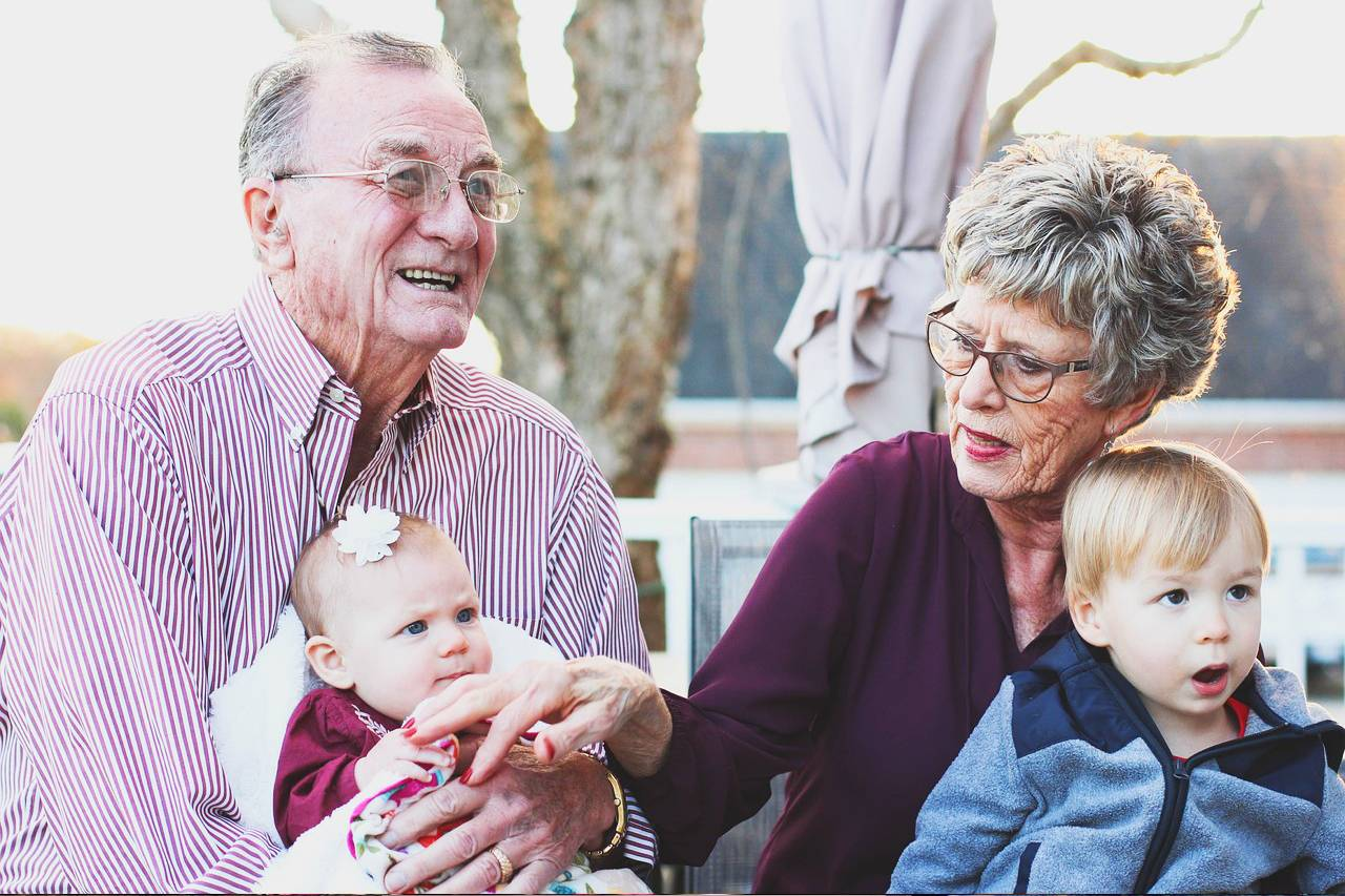 Grandparents with glasses and Grandchildren
