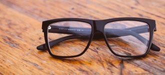 black glasses on wood table 1280x480 330x150