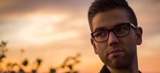 man_glasses_dusk 330x150