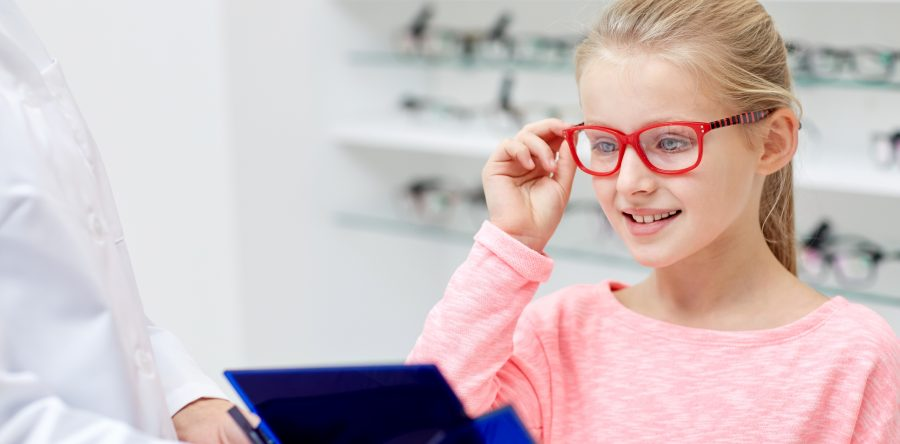 How-to-Pick-Eyewear-for-Your-Child_SS-Graphic-900x444