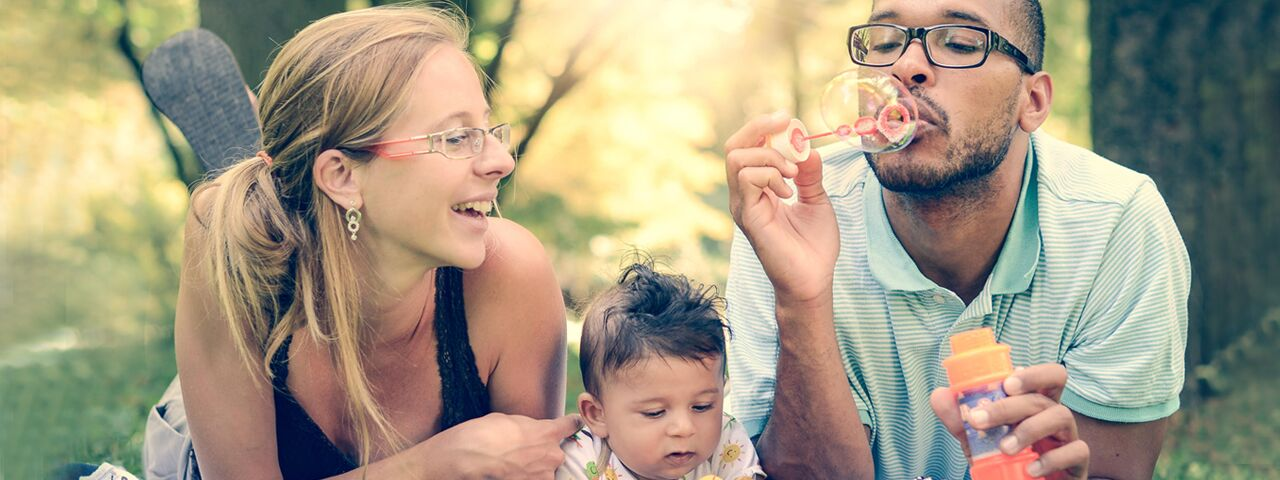 Family20Glasses2020Blowing20Bubbles201280x480_preview1.jpeg