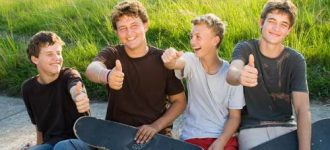 boys_with_thumbs_up 330x150