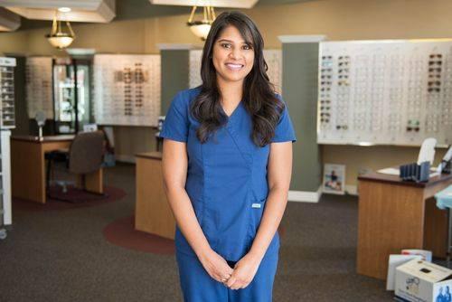 Shani, Optician