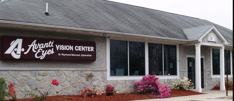 Optometrists at Avanti Eyes in Lumberton, NJ.
