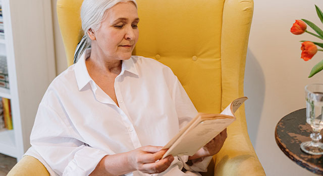 Senior Woman Reading 640×350