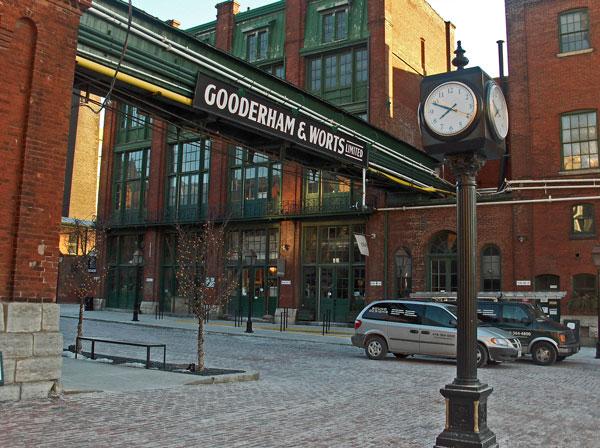 Distillery_District_Toronto_Canada_2006