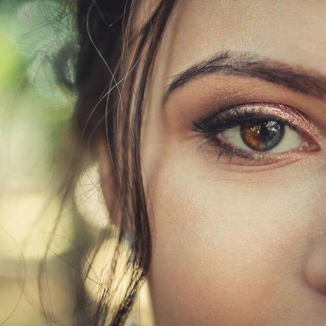 woman eye closeup 640 1.jpg