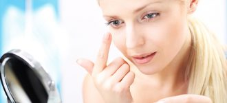 inserting contact lenses in Jacksonville Florida