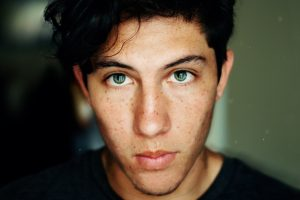boy green eyes freckles 1280x853