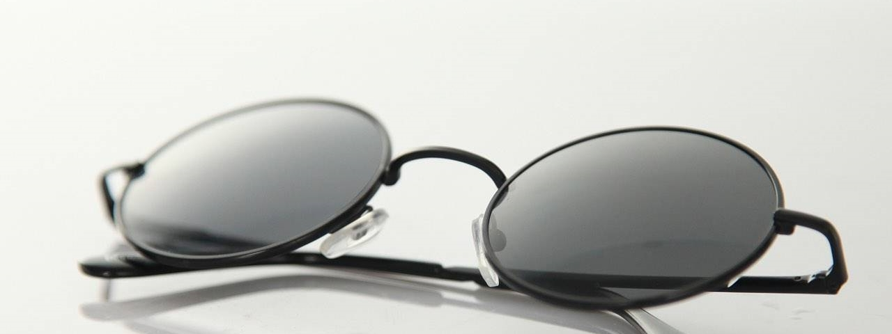 sunglasses-round-black