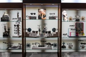eyeglass display proof A