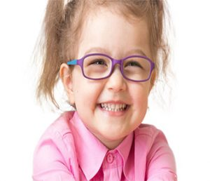 kids smiling with her eyeglasses