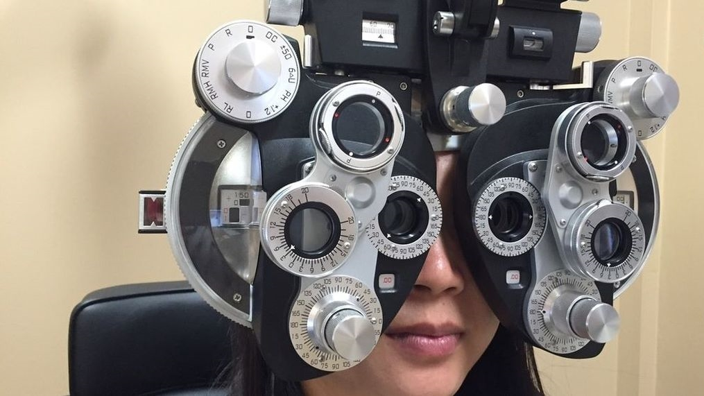 Phoropter-eye-exam