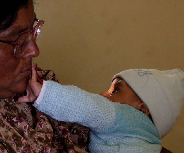 2007 02 23 VOSH Guatemala  Mom y Baby op 800x533