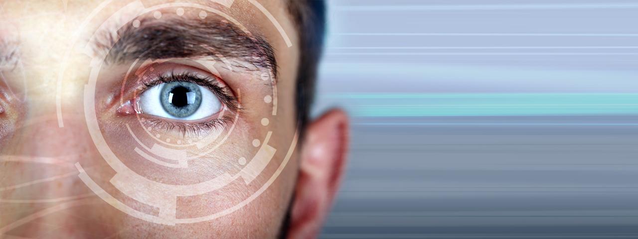 Eye doctor, man lasik surgery in Brea, CA