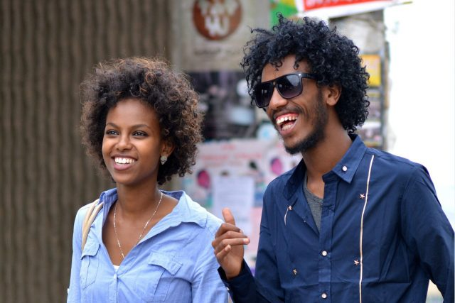 Happy African American Couple Sunglasses 1280x853 640x427