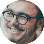 man eyeglasses happy 1280x853 1024×682