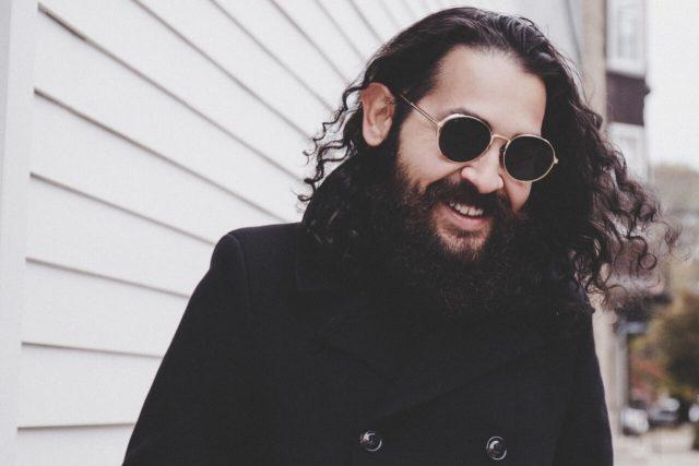 man beard sunglasses 1280x853