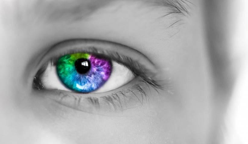 Colorful Eye Grey Photo1280x480 e1553842732430