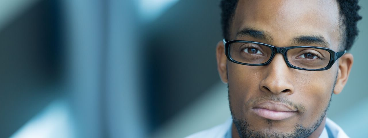 Optometrist-AfricanAmerican-glasses_preview1-e1516802508319.jpeg