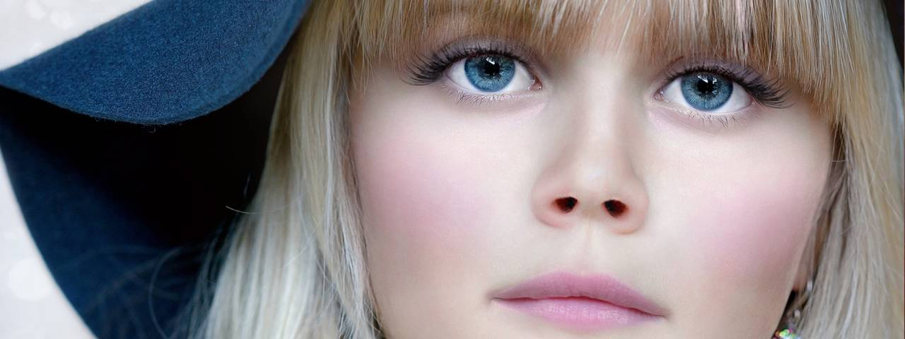 Eye care, girl with contact lenses in Kamloops, BC