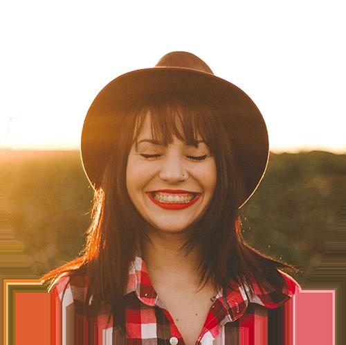 smile-girl-cowboy-hat