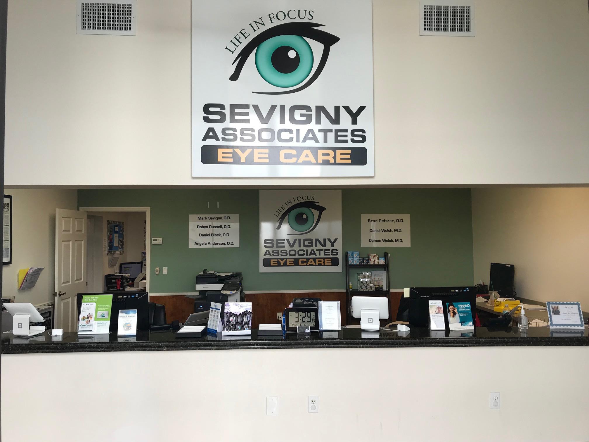 Sebring-Front-Desk