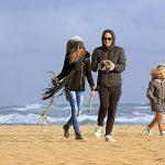 Family Winter Beach 1280×853