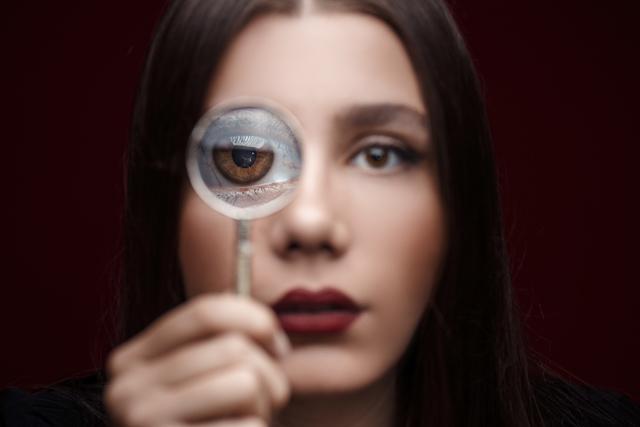 eye doctor, scleral lens on the finger