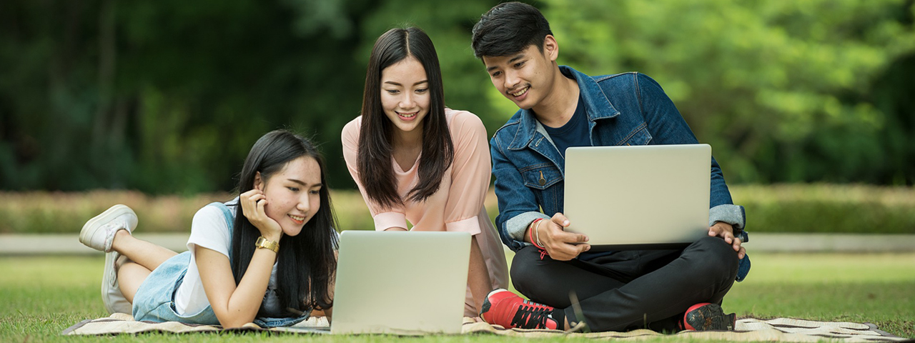 Students Outdoors Laptops 1280×480 1